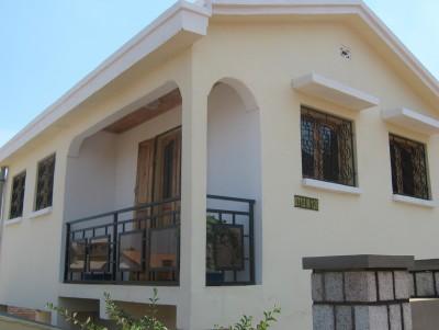 Maison louer antsirabe immobilier annonce malgache for Maison traditionnelle malgache photos